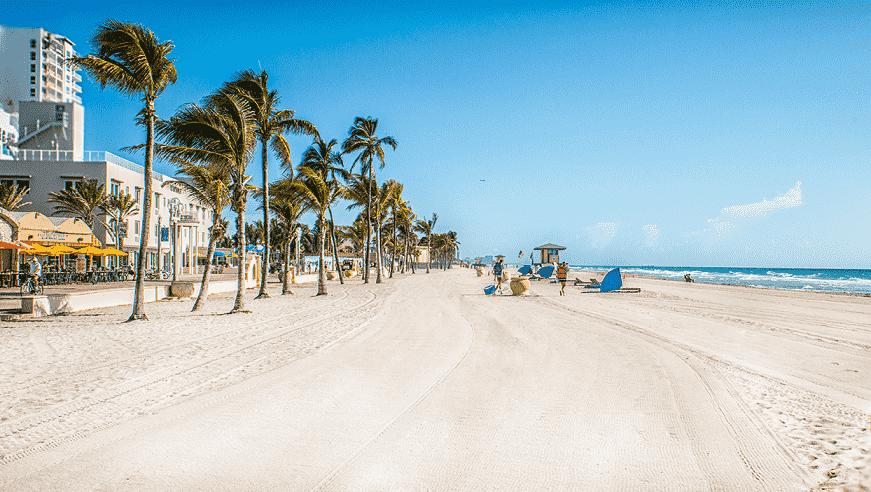 Praia Hollywood Beach em Miami