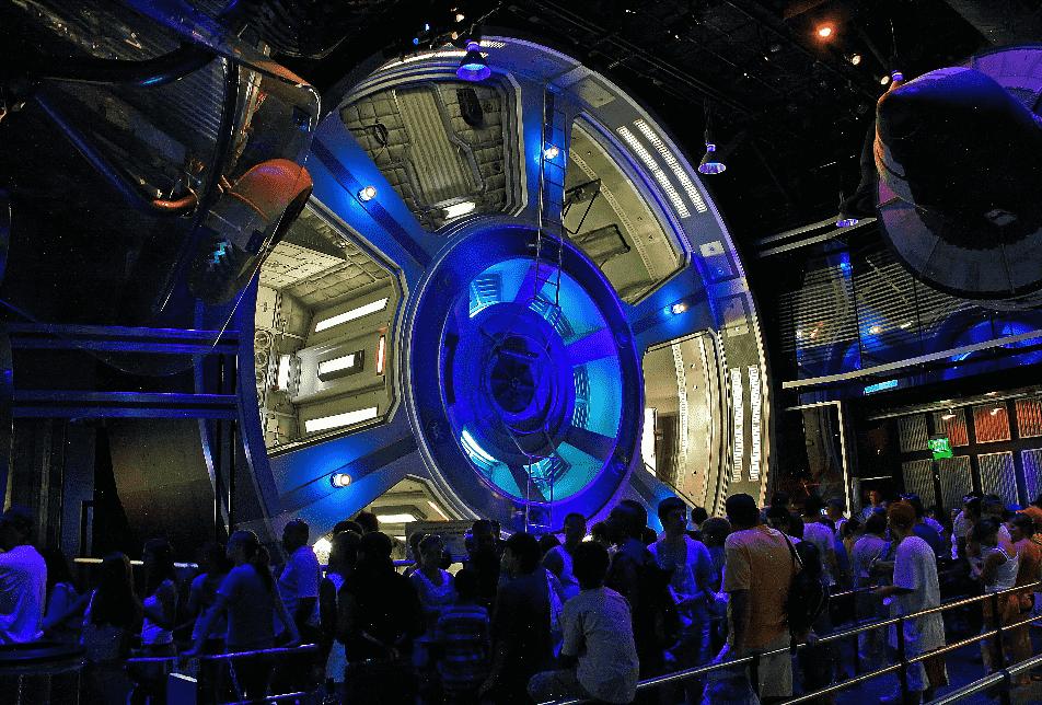 Fila no Mission Space no Epcot em Orlando