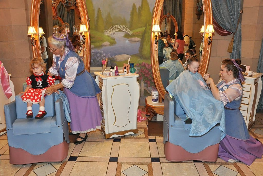 Onde ficam as unidades do Bibbidi Bobbidi Boutique na Disney