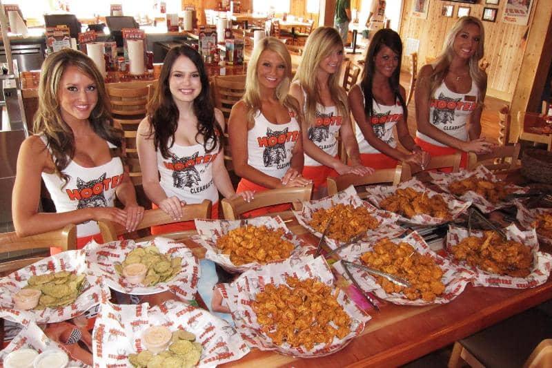Restaurantes Hooters em Miami e Orlando