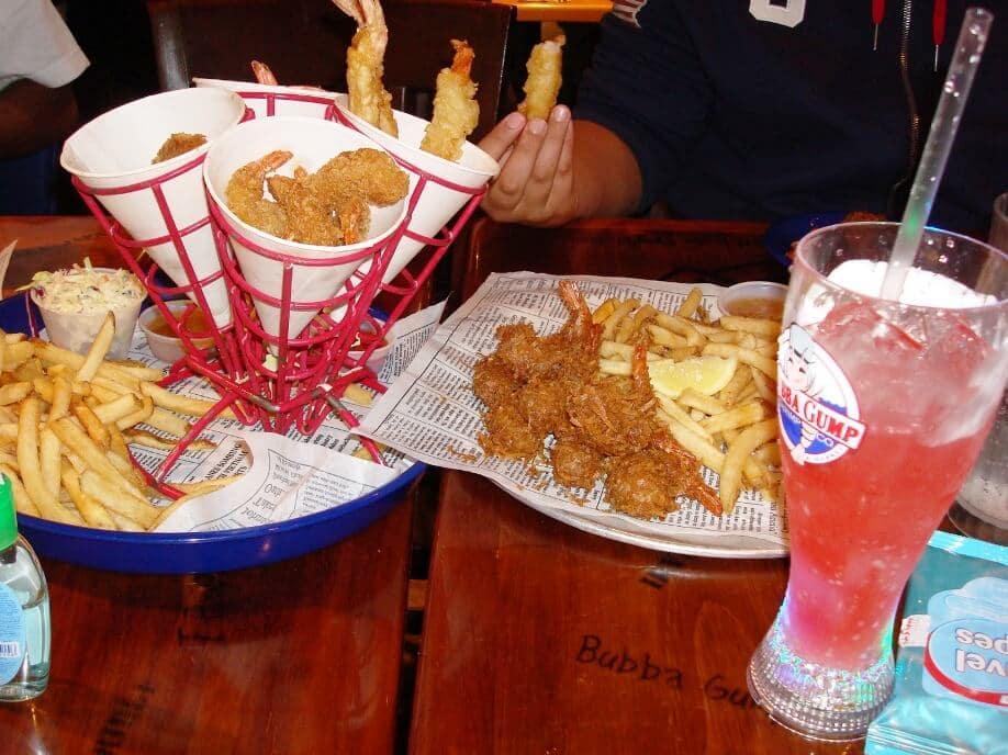 Como é o restaurante Bubba Gump Shrimp