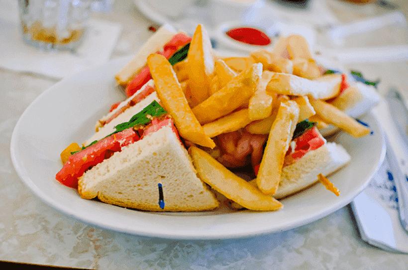 Como é o The Plaza Restaurant no Magic Kingdom