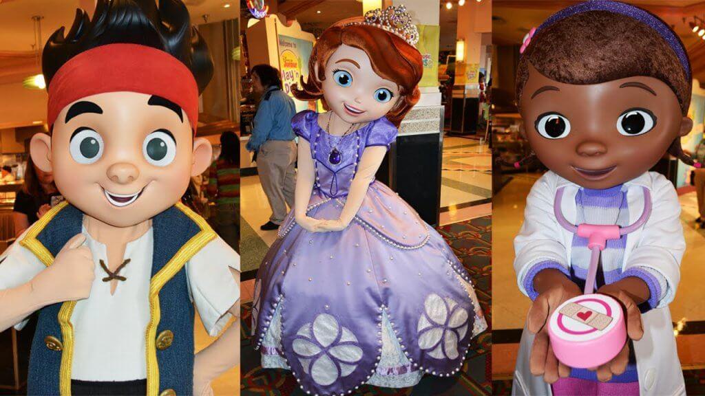 Personagens da refeição na Disney com Doutora Brinquedos e Princesa Sofia em Orlando