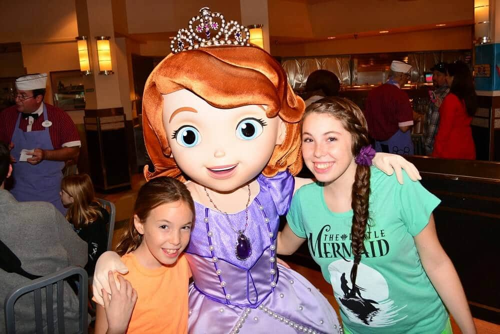 Refeição na Disney Princesa Sofia