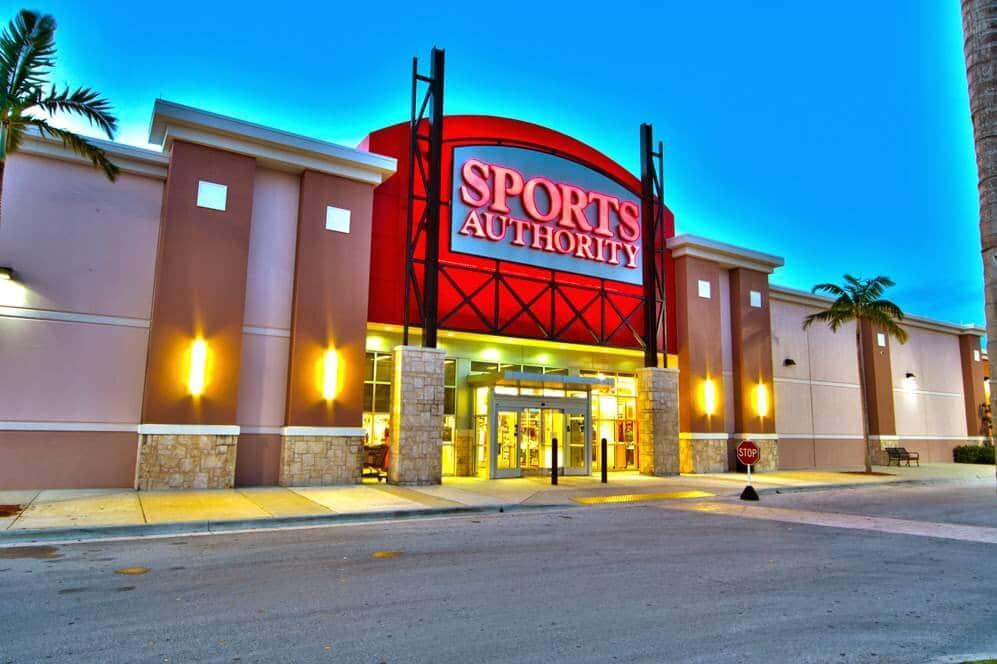 Lojas Sports Authority em Miami e Orlando