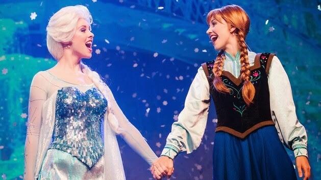 Elsa e Anna no Show do Frozen no Disney Holywod Studios em Orlando