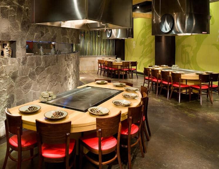 Interior do restaurante japonês Benihana em Orlando