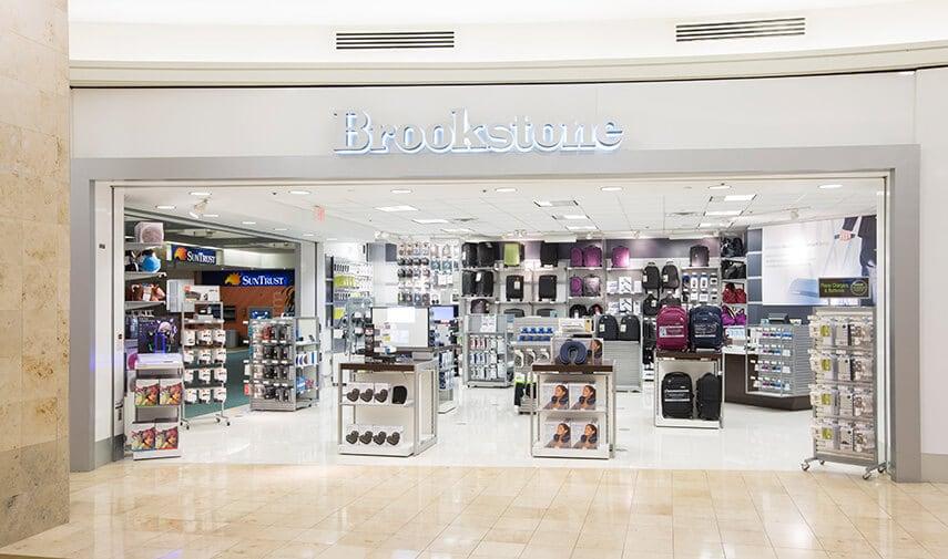 Loja de brinquedos eletrônicos Brookstone em Miami e Orlando