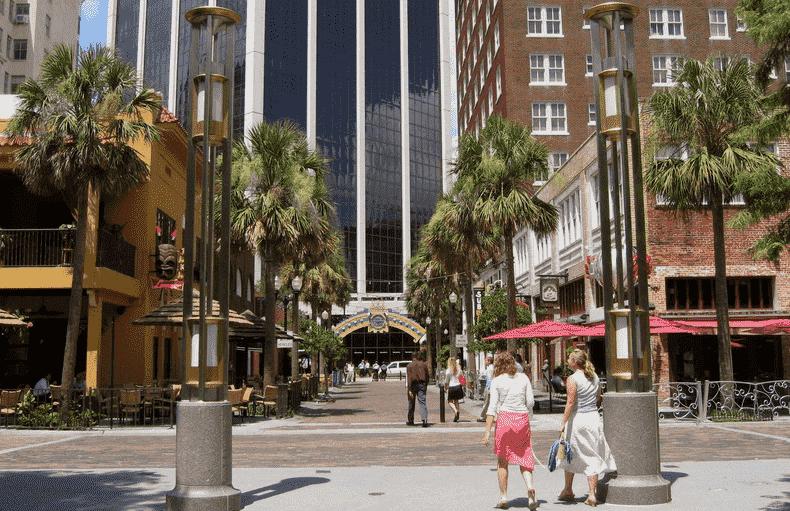Entrada do Wall Street Plaza em Orlando