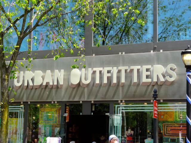 Frente da Loja Urban Outfitters em Orlando e Miami