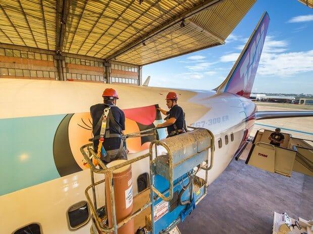 Pintura do avião da Disney