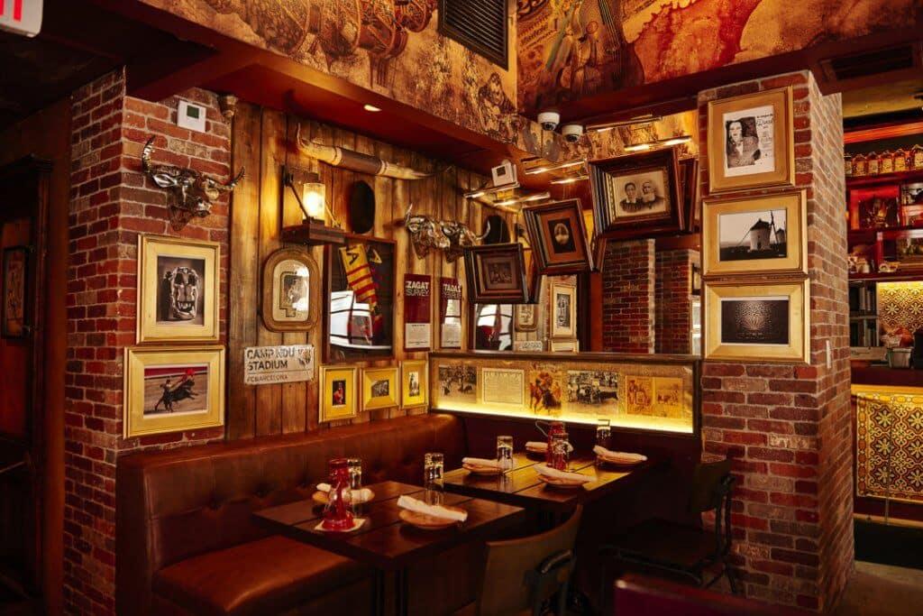 Interior do Tapas y Tintos em Miami