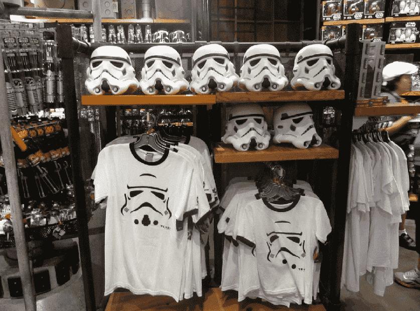 Camisas da loja Tatooine Traders na Disney em Orlando