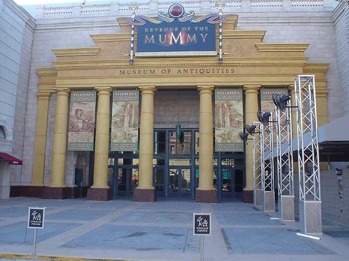 Montanha Russa da Múmia no Universal Studios