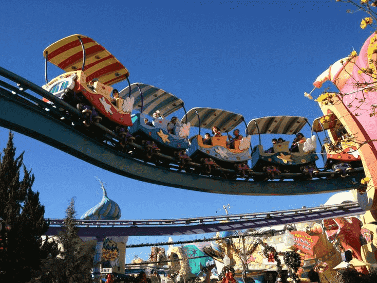 High in the Sky Seuss Trolley Train Ride no Islands of Adventure em Orlando