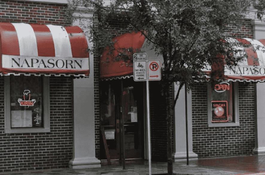 Restaurante Naparsorn Thai em Downtown Orlando