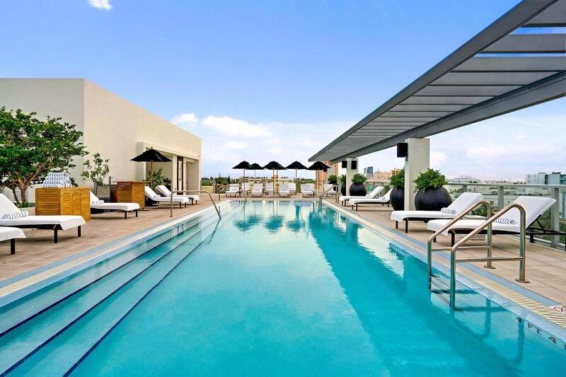 Piscina Kimpton Angler's Hotel em Miami