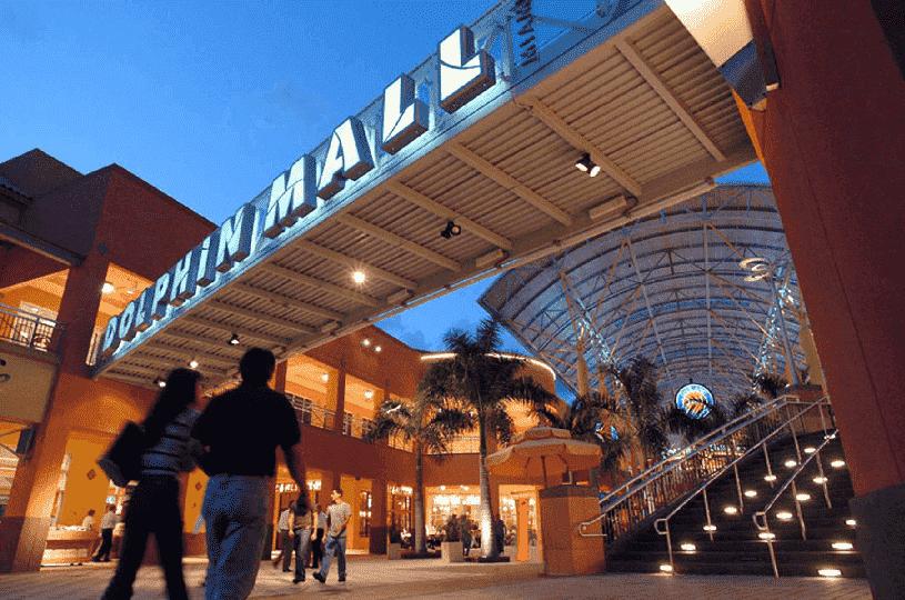 Shopping Dolphin Mall