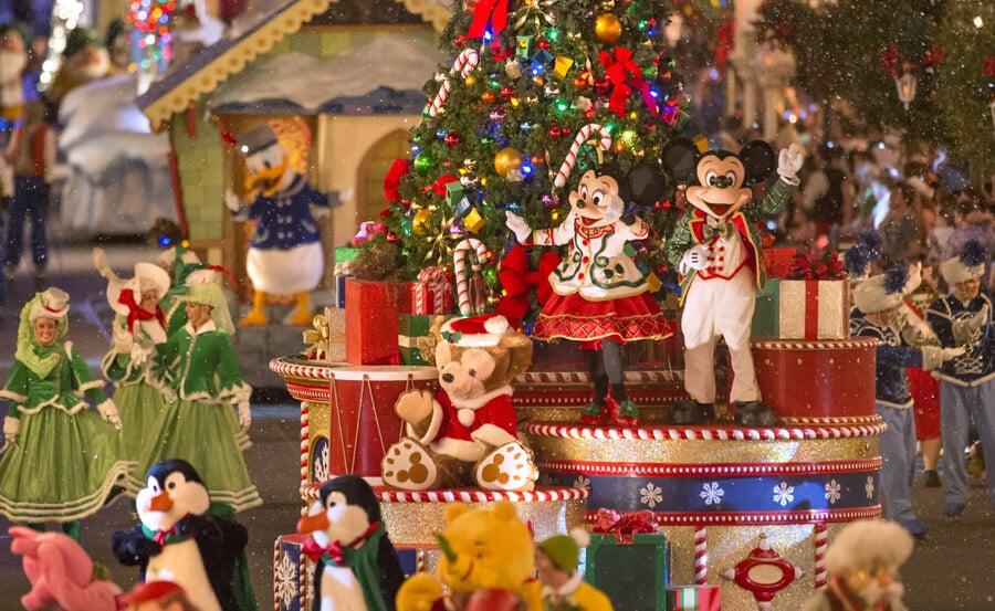 Personagens na Mickey's Once Upon a Christmastime Paradena Disney em Orlando