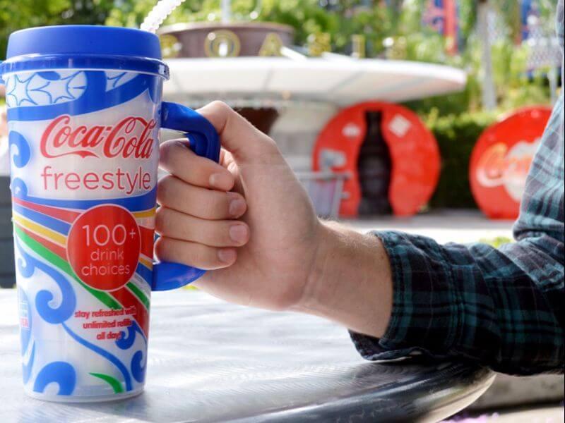 Copo com refil de bebidas nos parques Universal Studios em Orlando