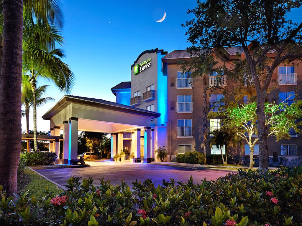 Hotéis bons e baratos em Naples na Flórida