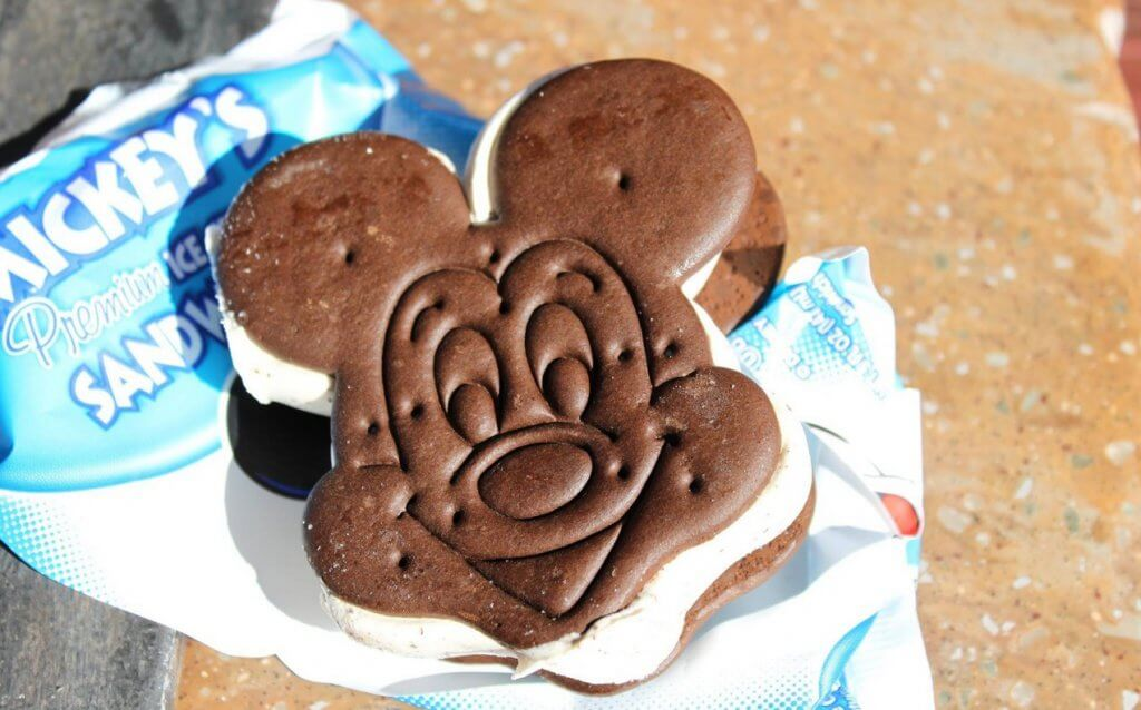 Sanduíche de sorvete do Mickey