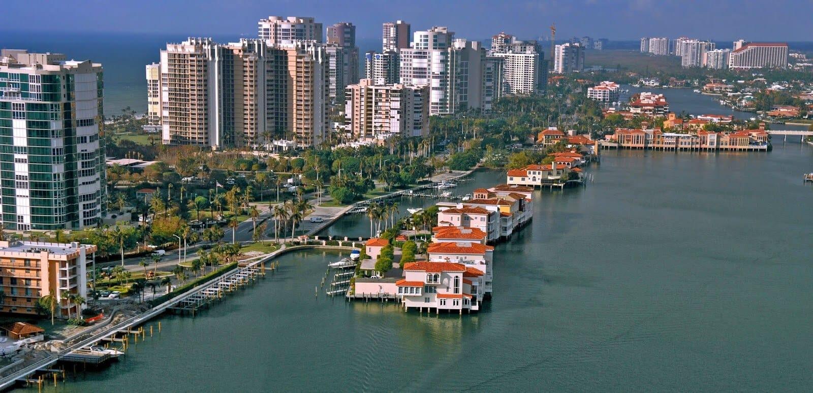 Cidades legais perto de Miami