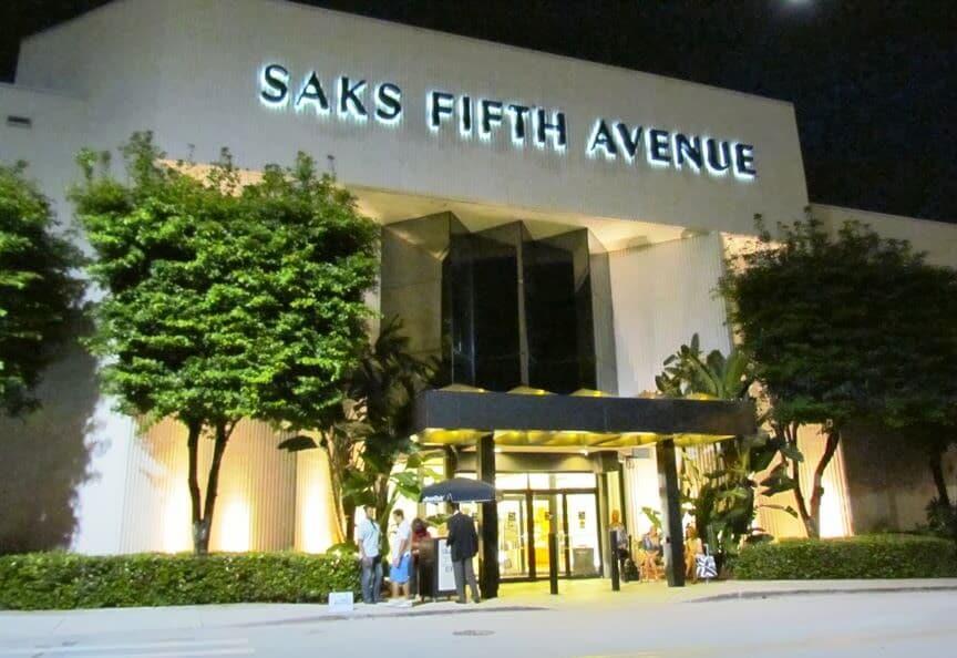 Loja de roupas Saks Fifth Avenue em Miami