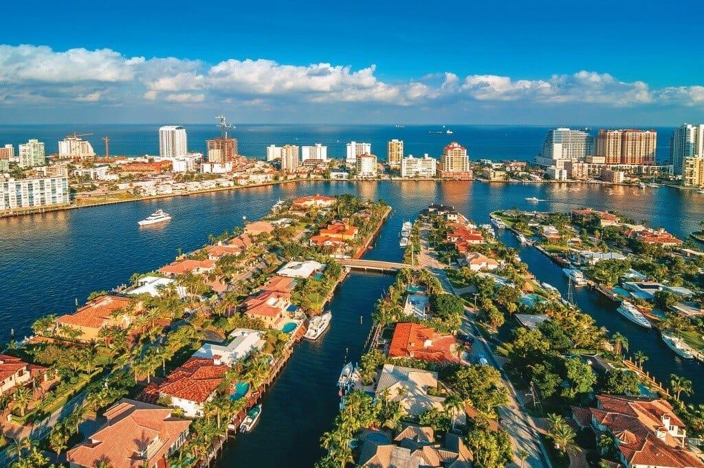 Vista aérea de casas em Fort Lauderdale