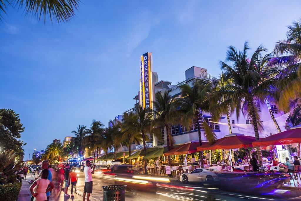5 lugares para ver gente em Miami: Ocean Drive