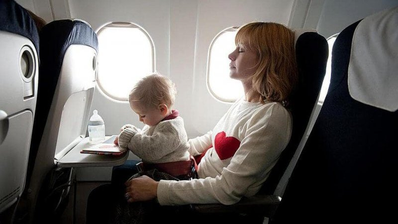 Bebê em avião