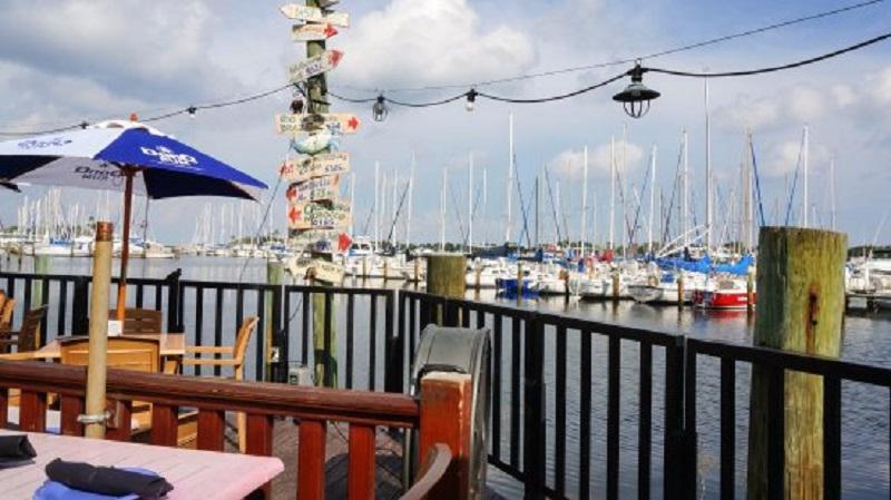 Restaurante Fresco's Waterfront Bistro