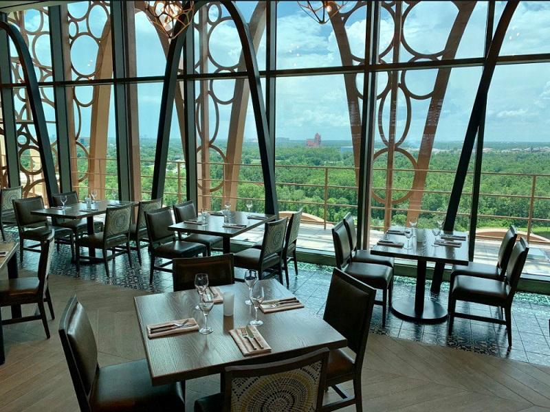 Vista do restaurante Toledo de Tapas, Steak & Seafood na Disney Orlando