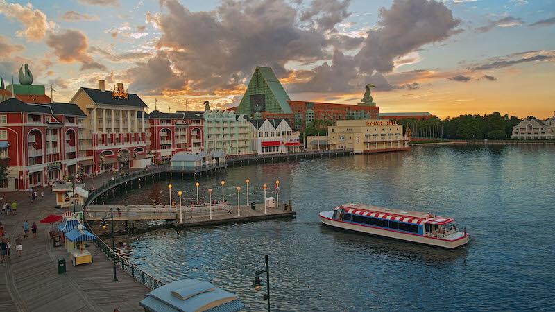 Passear de barco pela Disney