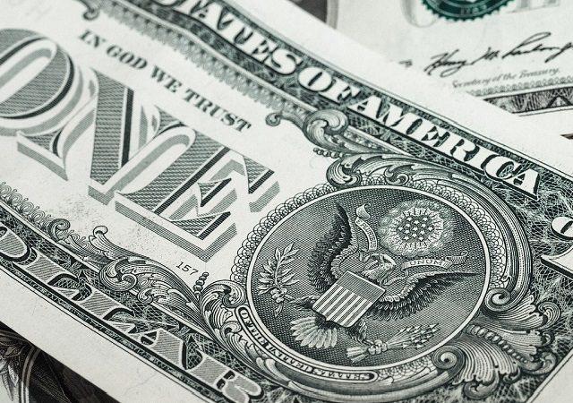 Melhor forma de levar dólar para Miami e Orlando