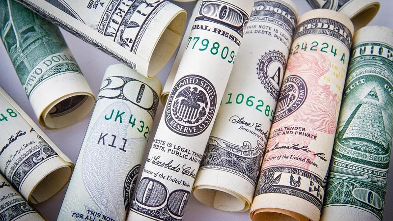 Melhor forma de levar dólar para Miami