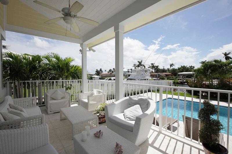 Àrea externa de casa alugada em Miami