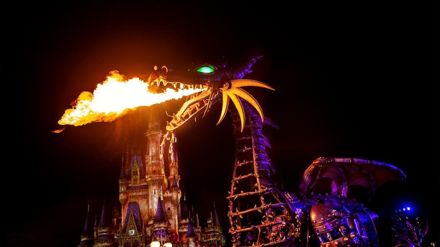 Malévola no Halloween no Parque Magic Kingdom em Orlando